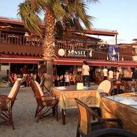 8/18/2013 tarihinde Mehmet T.ziyaretçi tarafından Sunset Restaurant'de çekilen fotoğraf
