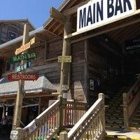 Foto tirada no(a) Flora-Bama Lounge, Package, and Oyster Bar por Jason T. em 4/7/2013