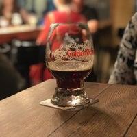 Снимок сделан в Gulden Draak Bierhuis пользователем Milos 10/11/2018