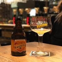 Снимок сделан в Gulden Draak Bierhuis пользователем Milos 10/4/2018