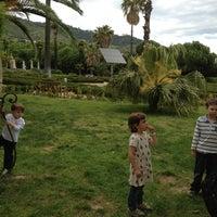 Foto scattata a Jardins de Can Sentmenat da Merce P. il 5/22/2013