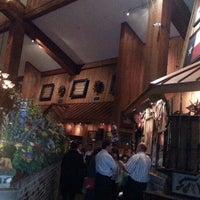 รูปภาพถ่ายที่ Taste of Texas โดย Steven C. เมื่อ 2/20/2013