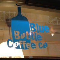 Foto scattata a Blue Bottle Coffee da Gabe W. il 10/7/2012