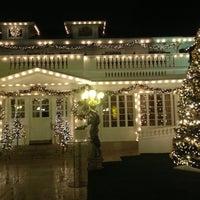 Снимок сделан в Anaheim White House Restaurant пользователем bebe t. 12/3/2012