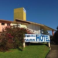 Foto tirada no(a) Maravilhas Park Hotel por Ally C. em 9/9/2014