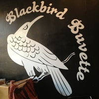 Photo prise au Blackbird Buvette par Casey le5/20/2013