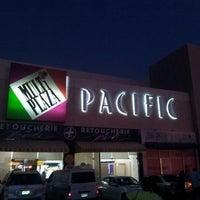 Foto tirada no(a) Mall Multiplaza Pacific por Hector M. em 1/29/2013
