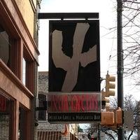 รูปภาพถ่ายที่ Iron Cactus Mexican Restaurant and Margarita Bar โดย James P. เมื่อ 1/19/2013