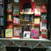 Photo prise au Concordia Co-op Bookstore par Larissa L. le12/20/2012