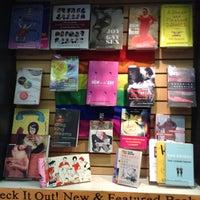Photo prise au Concordia Co-op Bookstore par Larissa L. le7/31/2013