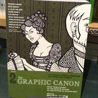 Photo prise au Concordia Co-op Bookstore par Larissa L. le7/15/2013