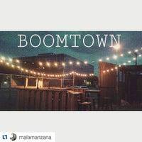 Снимок сделан в Boomtown Tavern пользователем Hector S. 9/10/2015