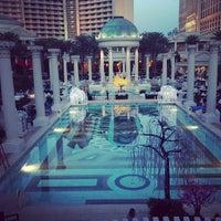 3/20/2013에 Jodi H.님이 Caesars Palace Hotel & Casino에서 찍은 사진