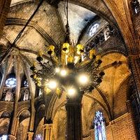 Foto tomada en Catedral de la Santa Cruz y Santa Eulalia por Marta DomiNika Ł. el 4/16/2013