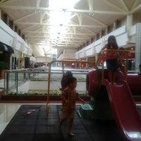Foto diambil di Pondok Indah Mall oleh Fajar Sakti A. pada 10/26/2012