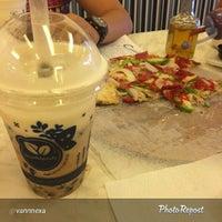 Photo prise au Calda Pizza par Calda B. le5/3/2015