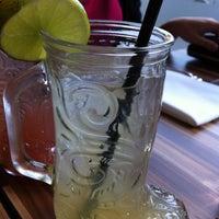 Das Foto wurde bei Hawthorne Food and Drink von Amy T. am 1/15/2013 aufgenommen