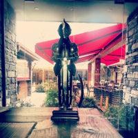 Снимок сделан в Camelot Cafe & Restaurant пользователем Yasin G. 2/18/2013