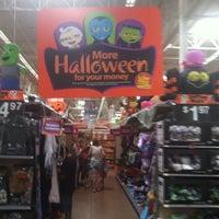 Foto scattata a Walmart Supercenter da Angelica H. il 10/5/2013
