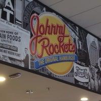 Foto tirada no(a) Johnny Rockets por Luis A. em 1/14/2015