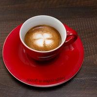 Photo prise au Coffeetopia par Hakan Ö. le8/14/2014
