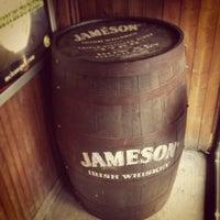 Foto tirada no(a) McLean's Pub por Stuart A. em 3/6/2013
