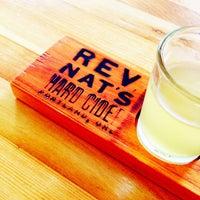8/25/2013 tarihinde Douglass R.ziyaretçi tarafından Reverend Nat's Hard Cider'de çekilen fotoğraf
