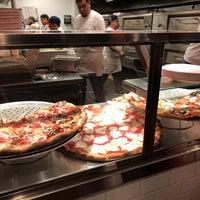 12/10/2017にAaron W.がJoe's Pizzaで撮った写真