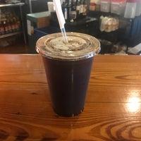 รูปภาพถ่ายที่ Waveriders Coffee & Deli โดย C.K. E. เมื่อ 5/5/2017