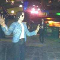 Foto diambil di Decky Bar oleh Luiz R. pada 10/18/2012