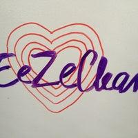 Foto tirada no(a) EeZeClean Showroom por Thaly G. em 2/22/2013