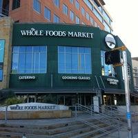 รูปภาพถ่ายที่ Coffee Bar @ Whole Foods Market โดย kky0suke เมื่อ 3/11/2013