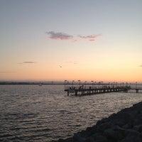 Das Foto wurde bei Embarcadero Marina Park South von Philip H. am 7/9/2013 aufgenommen