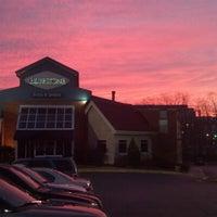 Foto diambil di Bluestone Restaurant oleh Ryan P. pada 2/11/2013