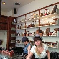 Das Foto wurde bei Stumptown Coffee Roasters von Stephen L. am 5/20/2013 aufgenommen