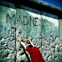 Das Foto wurde bei Baudenkmal Berliner Mauer von Daniel S. am 6/17/2013 aufgenommen