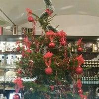 Foto diambil di APSHERON Restaurant oleh Laila G. pada 12/25/2015