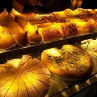 Foto tirada no(a) Stalos Café & Bar por Camila C. em 9/24/2012