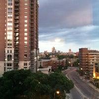 8/16/2013 tarihinde Merideth M.ziyaretçi tarafından Hilton Garden Inn Minneapolis Downtown'de çekilen fotoğraf