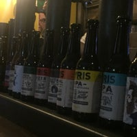 Foto scattata a The Market Craft Beer da Melanie L. il 10/13/2018