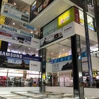 10/19/2018에 Michael F.님이 Sim Lim Square에서 찍은 사진