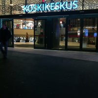 Das Foto wurde bei Koskikeskus von 🐻Kaisa E. am 11/25/2012 aufgenommen