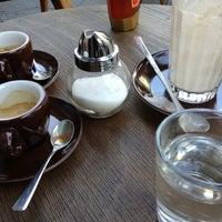 8/16/2013 tarihinde Caspar Clemens M.ziyaretçi tarafından bagel, coffee & culture'de çekilen fotoğraf