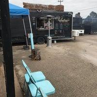 Снимок сделан в Valentina's Tex Mex BBQ пользователем Erin G. 10/18/2018