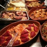 Foto tomada en Restaurante LAS PALOMAS Buffet&Tapas por Braiscelli O. el 10/9/2014