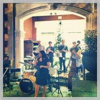Foto tomada en The Terrace Hotel por Meg C. el 1/1/2013