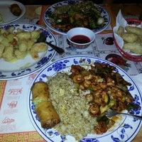 Foto diambil di Wing's Chinese Restaurant oleh Chuck H. pada 11/18/2013