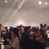 Foto tomada en Ace Gallery Beverly Hills por Mark G. el 11/6/2013