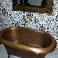 Das Foto wurde bei Bathtub Gin von jonathan h. am 11/24/2012 aufgenommen