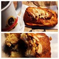 รูปภาพถ่ายที่ Borderon Eric Artisan Pâtissier Boulanger โดย Teaspout เมื่อ 10/26/2013
